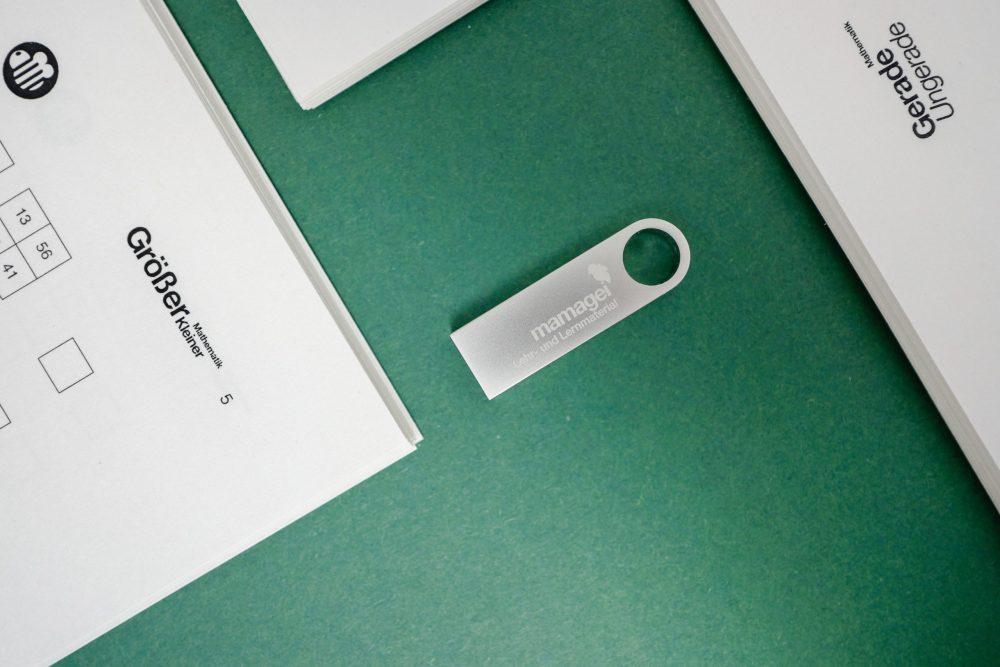 Größer und Kleiner USB Stick